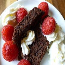 Dessert fondant chocolat noir et framboises